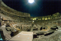 Il Colosseo in notturna